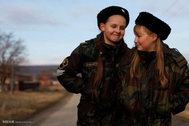 آموزش های نظامی نواجوانان روس