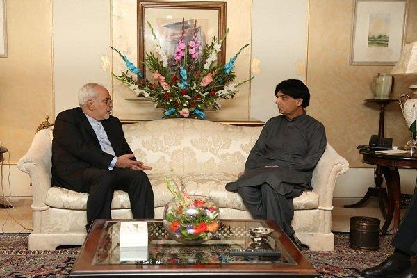 Zarif Pakistan İçişleri Bakanı'yla görüştü