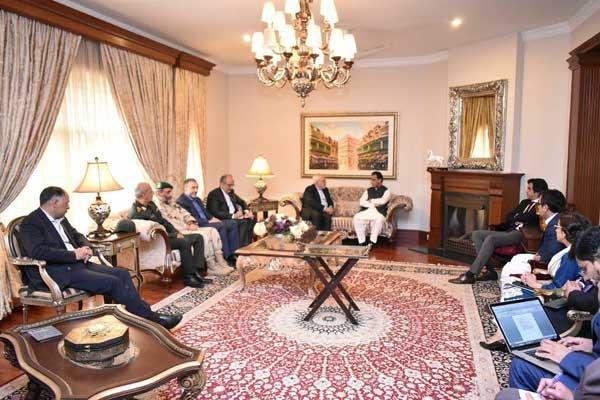 Zarif Pakistan Milli Meclis Başkanı'yla görüştü