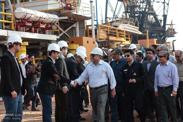"""انطلاق عمليات نصب المنصة النفطية """"FYB """" في حقل """"فروزان"""""""