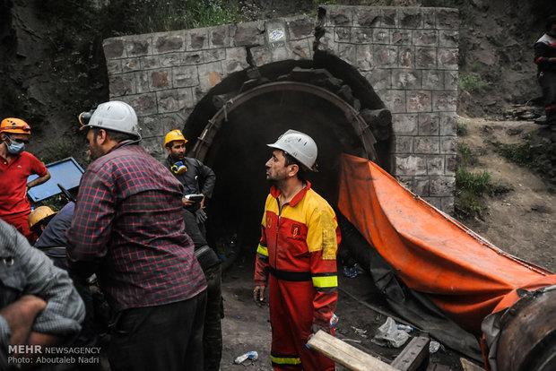 ریزش معدن سرب و روی بهاباد/۲ کارگر محبوس شده نجات یافتند