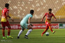 دیدار تیم های فوتبال فولاد خوزستان و پیکان
