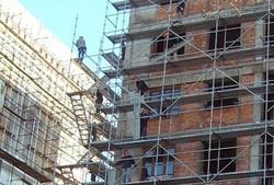 قانون پیشفروش ساختمان روی زمین ماند/دعوای موافقان و مخالفان ادامه دارد