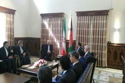ظریف در دیدار با وزیر امور خارجه افغانستان
