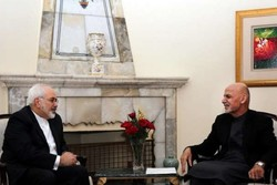 Zarif meets with Afghan president, chief executive