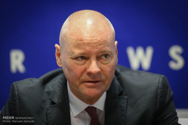 السفير الالماني يعزي اهالي ضحايا زلزال إيران