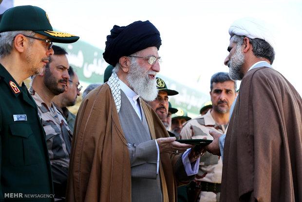 بحضور قائد الثورة الاسلمية مراسم تخريج دفعة من ضباط جامعة الامام الحسين(ع)