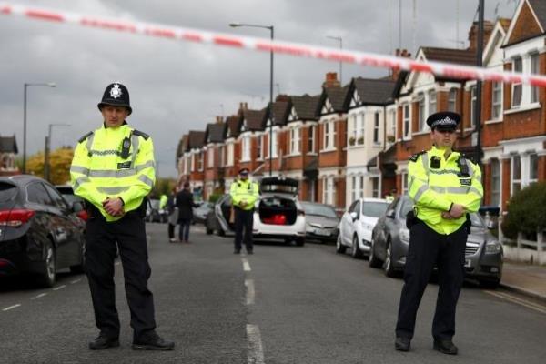 الشرطة البريطانية تعلن هوية وجنسية منفذي تفجير مترو لندن