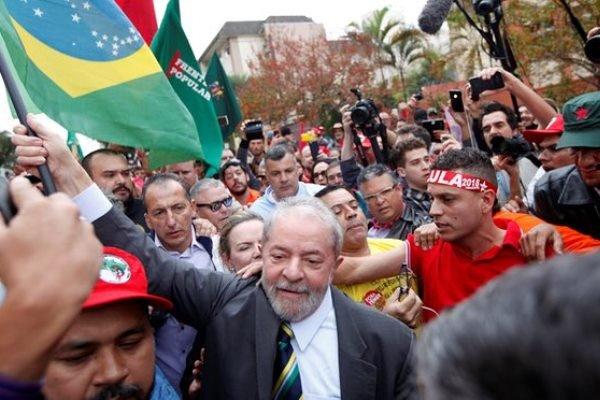 هواداران «داسیلوا» خواستار آزادی وی شدند