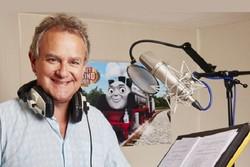بازیگر «دانتون ابی» در نقش رولد دال ظاهر میشود