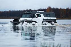 خودروی حرکت در آب