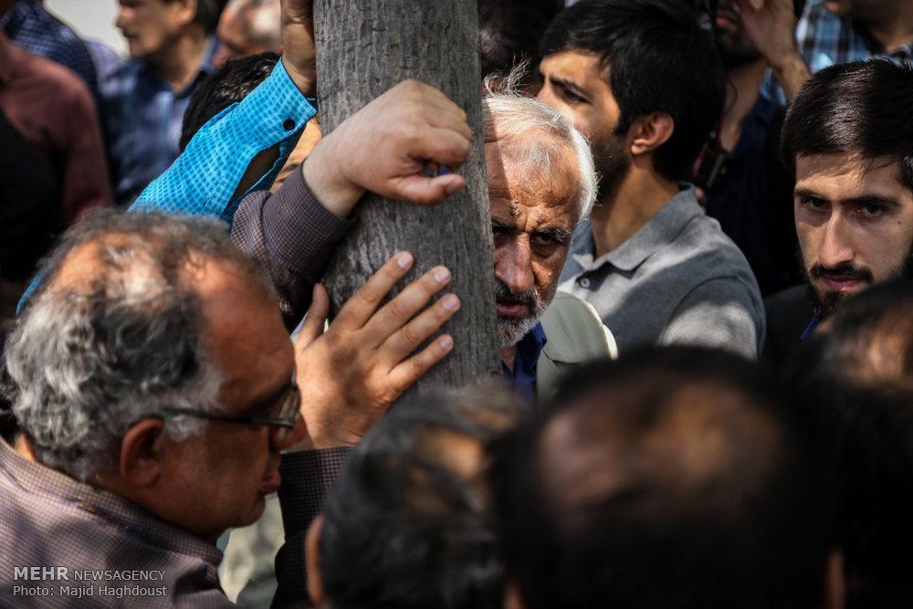 گفتگوی چهره به چهره انتخاباتی در بازار تهران