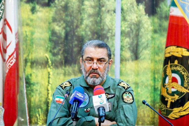 """إزاحة الستار عن """"صاروخ شفق"""" في استعراض يوم الجيش"""