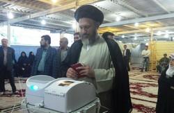 دشمنان آرزوی عدم مشارکت مردم در انتخابات را به گور می برند