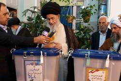 حضور حماسی در انتخابات باعث تقویت نظام میشود