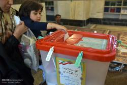 خمینیشهریها با ۲۳۰۰ شهید خود همگام شدند/ترافیک انتخاباتی در شهر