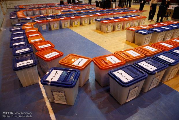 توزيع صناديق الاقتراع في همدان
