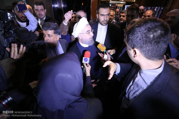 بازدید سرزده حسن روحانی از ستاد انتخابات کشور