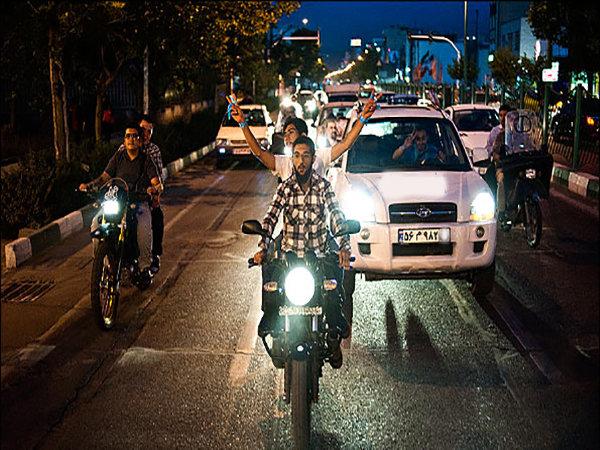 کاروان شادی در خیابانهای شیراز به مناسبت نیمه شعبان