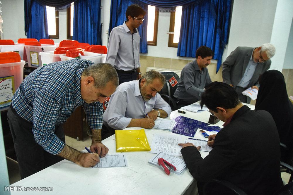 آماده سازی صندوق و تعرفه های رای در شهرضا