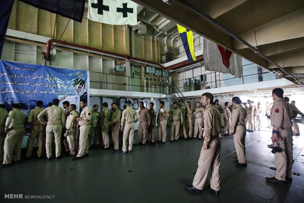 رای گیری پرسنل نیروی دریایی بر روی ناو خارک