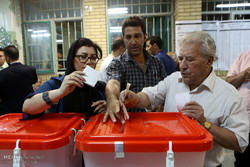 Final moments of voting in Tehran