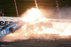 حادثه در مسابقات اتومبیل رانی ناسکار