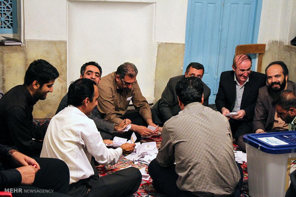 آخرین ساعات حضور مردم  و شمارش آراء در کردستان