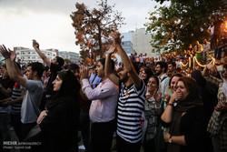 شادی مردم پس از انتخابات ۲۹ اردیبهشت - تهران