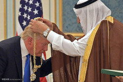 خطاب دونالد ترامب لقادة العالم الإسلامي و اعلان العداء لايران من الرياض