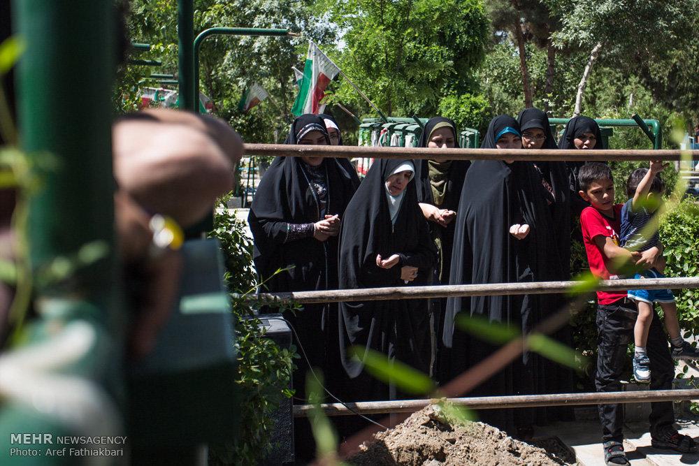 مراسم تشییع پیکر شهید مدافع حرم علیرضا قبادی در کرج