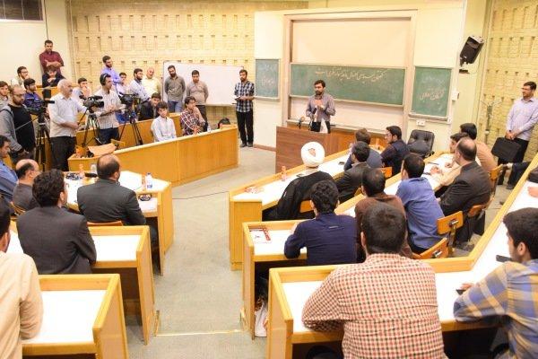 مسابقات مناظره دانشجویان به زبان انگلیسی برگزار می شود