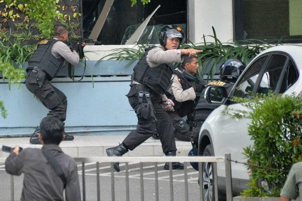 انڈونیشیا میں پولیس آپریشن میں 77 افراد ہلاک