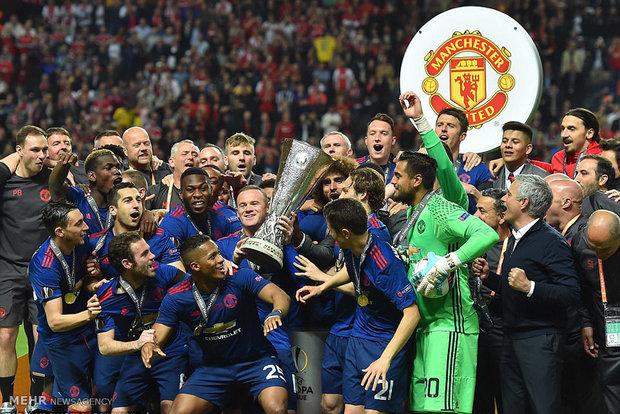 تصاویر جشن قهرمانی منچستر در لیگ اروپا