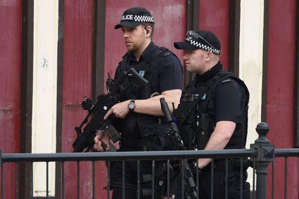 پلیس انگلیس ششمین فرد مظنون به حمله تروریستی منچستر را دستگیر کرد