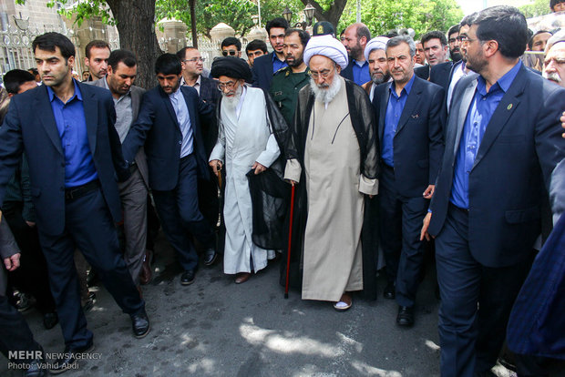 People in Tabriz denounce Bahrain crack-down on cleric