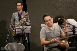 هومن نامداری کارگاه تنظیم موسیقی برگزار میکند