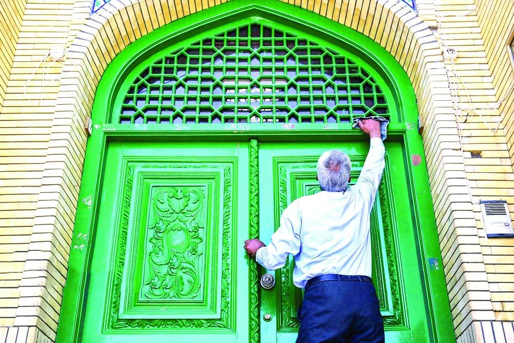 Muslim clean mosques in run-up to Ramadan