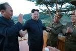 نظارت رهبر کره شمالی بر آزمایش پدافند هوایی جدید