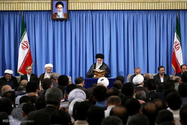 İnkılap Rehberi'nin huzurunda Kur'an-ı Kerim meclisi