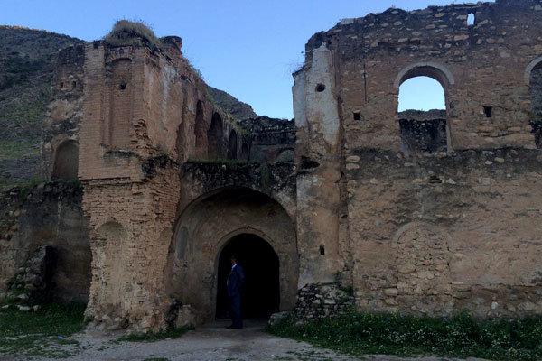 کشف بخش هایی از برج و باروی قلعه کهنک در خراسان جنوبی