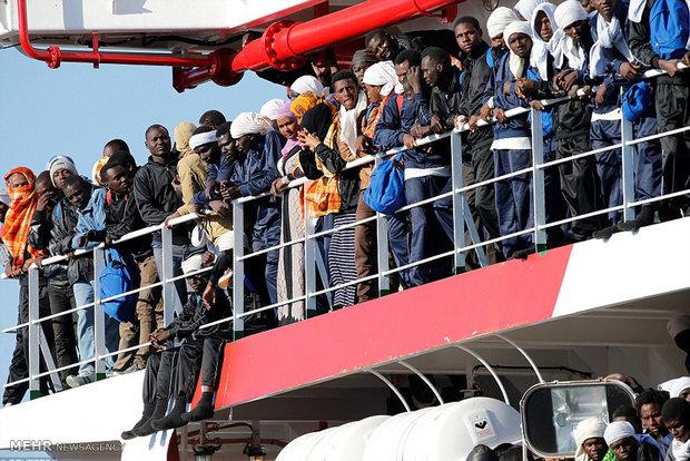 سرگردانی پناهجویان به دلیل نشست جی7