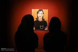 توقيع كتاب عن الأعمال الأجنبية لكنوز متحف الفنون المعاصرة في إيران /صور