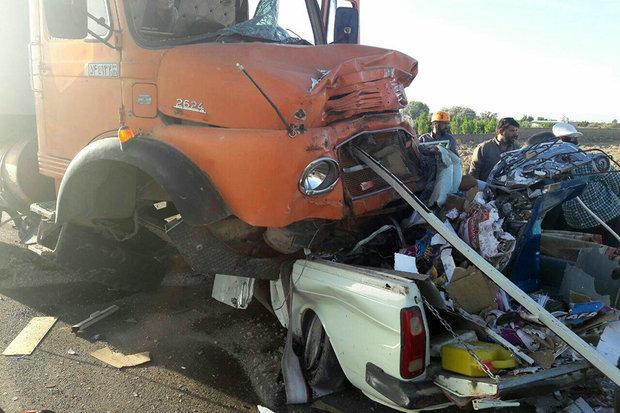 کشته شدن راننده وانت در جاده اراک