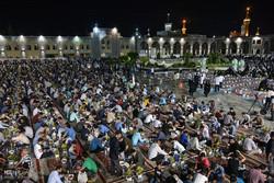مراسم افطار رمضان في الحرم الرضوي الشريف /صور