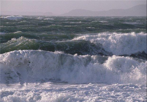 امواج سه متری در خلیج فارس/بارندگی در شمال کشور