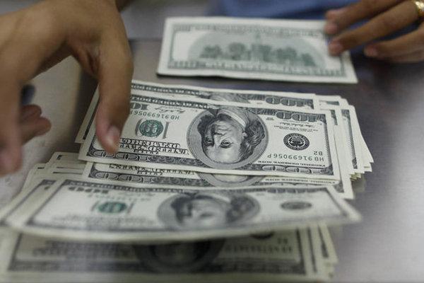 تداوم روند صعودی قیمت دلار در بازار/قیمت سکه همچنان میتازد