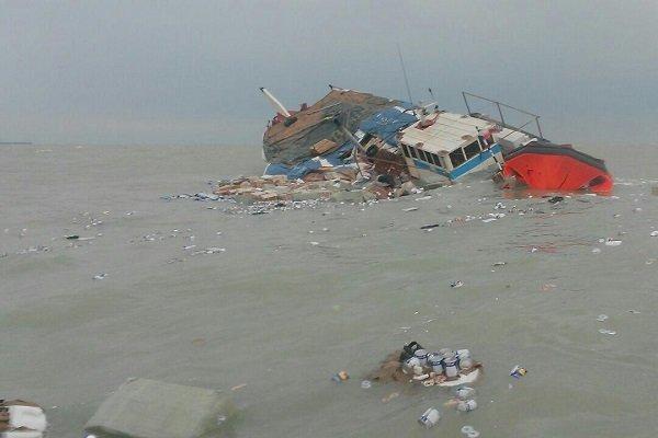 یک فروند شناور در آبهای عسلویه غرق شد/ نجات ۳ نفر از سرنشینان