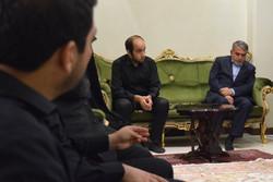 وزیر فرهنگ و ارشاد اسلامی با خانواده حمید آخوندی دیدار کرد