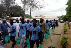 مئات المتظاهرين يحتلون محطة نفطية لشركة شل في نيجيريا